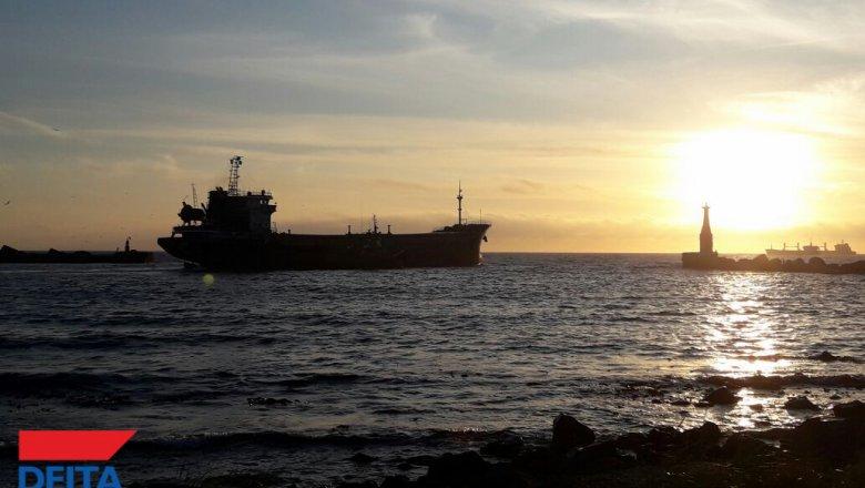 Русские моряки сарестованного вОАЭ судна просят вернуть ихдомой