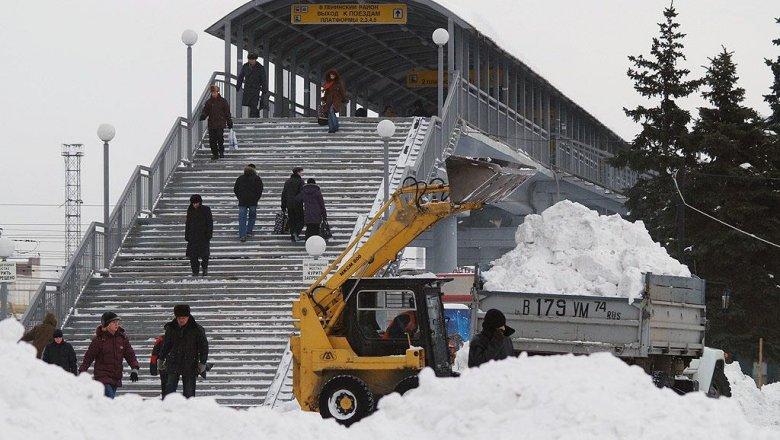 Для уборки снега наулицы Челябинска выйдут 111 спецмашин