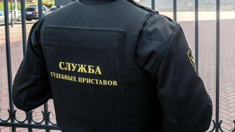 Ограничение на выезд из РФ будут снимать через 23 минуты после погашения долга