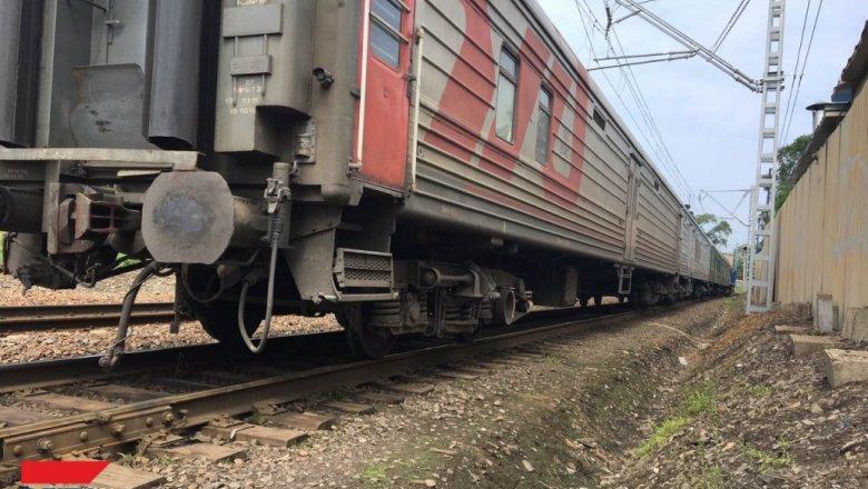 ВПриморье отлесного пожара зажегся поезд сзаключенными