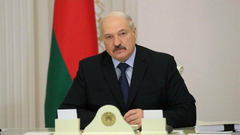 Никто небарствует, абанковскими бонусами можно подавиться— Лукашенко