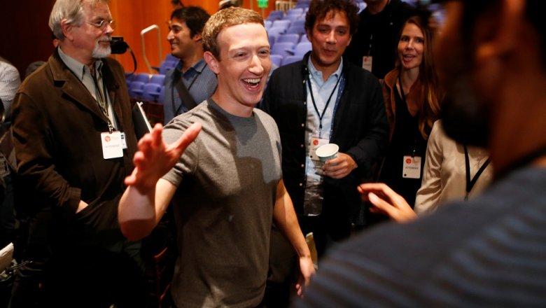 Цукерберг опровергает, что фейсбук помог Трампу одолеть: это сумасшествие