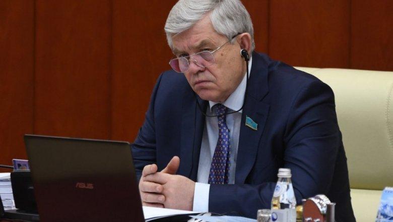 Общественность Алматинской области обсудила переход налатиницу