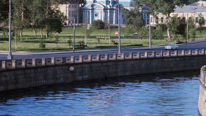 СКпроверяет, откуда вмосковской реке Яузе возникла  пена