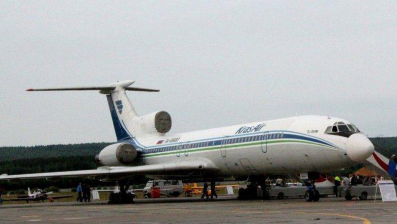 Boeing стреснутым стеклом экстренно приземлился в«Емельяново»
