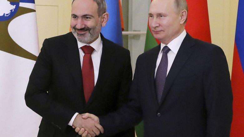 Пашинян сообщил детали переговоров с Путиным по размещению миротворцев