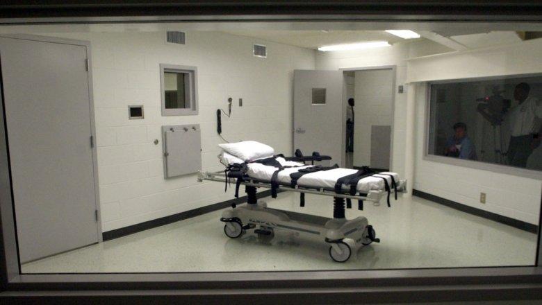 Вамериканском штате после 12-летнего перерыва собираются казнить сразу семерых злоумышленников