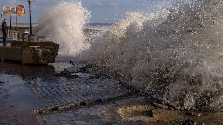 МЧС предупредило оформировании смерчей над темным морем