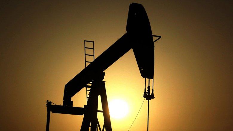 Цена на нефть Brent упала ниже $59 за баррель на данных о запасах в США
