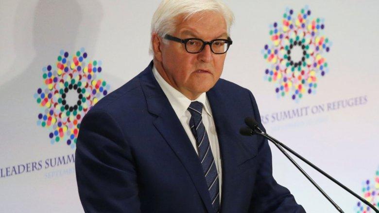 Штайнмайер назвал соглашение оразведении сил вДонбассе первой подвижкой замесяцы