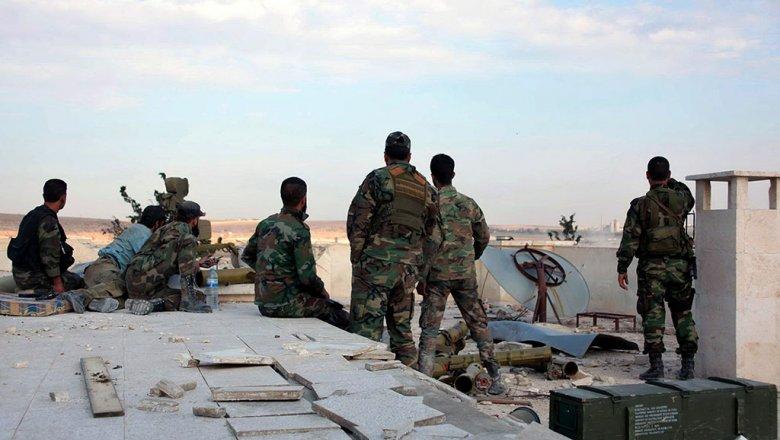 Хотим изгнать американцев изСирии: ополченцы обстреляли базу США под Раккой