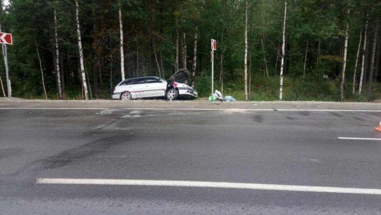 Нетрезвый шофёр грузового автомобиля врезался вмашину сдетьми и исчез