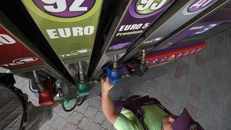Новые ставки акцизов поднимут цену бензина натри рубля— Mail Авто