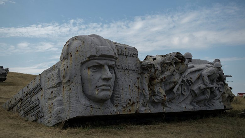 Надороге к«Саур-Могиле» перед проездом Захарченко прогремели два взрыва