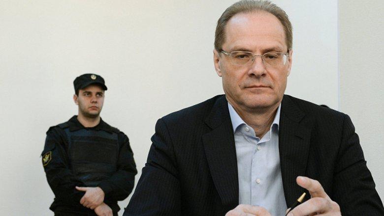 ВНовосибирске обвинитель  потребовал для Юрченко 4  года колонии, дисквалификацию иштраф