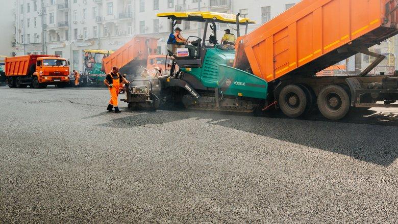 Рабочие начали чинить  проезжую часть наСадовом кольце