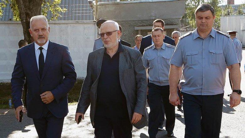 Знал, однако молчал: СКпроверит прежнего следователя ярославской колонии, где избили заключённого