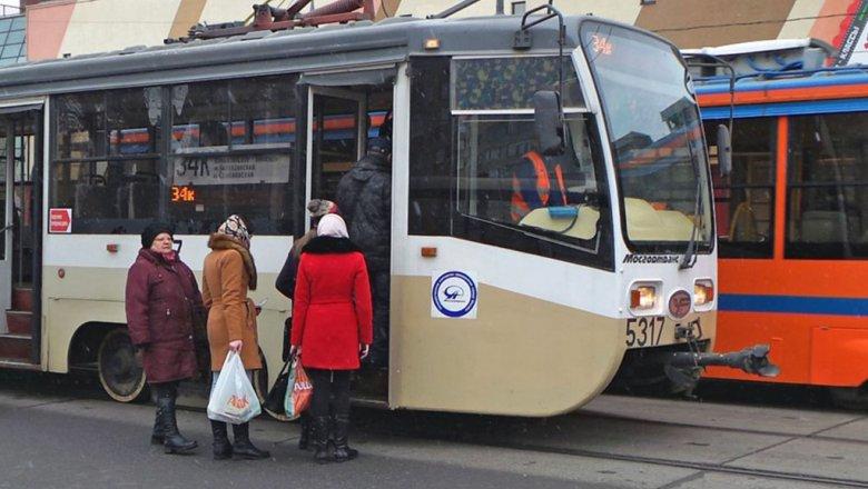 С1января из столичных автобусов-«гармошек» уберут турникеты