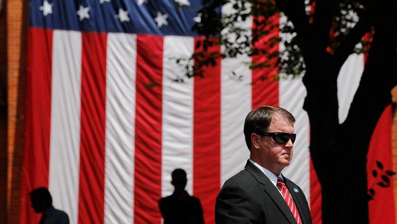 США выслали 2-х  русских  дипломатов