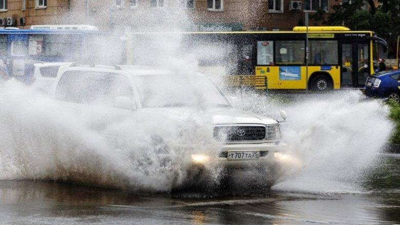 ВПриморье объявлено штормовое предупреждение из-за тайфуна Лайонрок