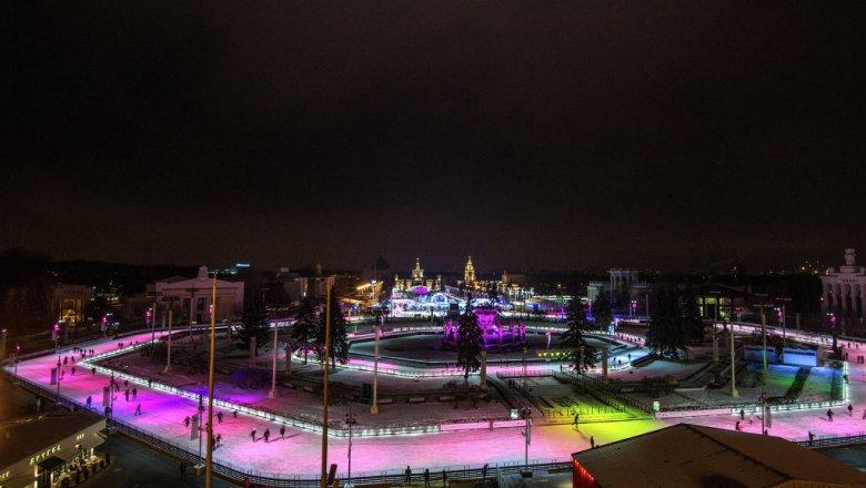 В столицеРФ открылись 187 катков сискусственным льдом— Собянин