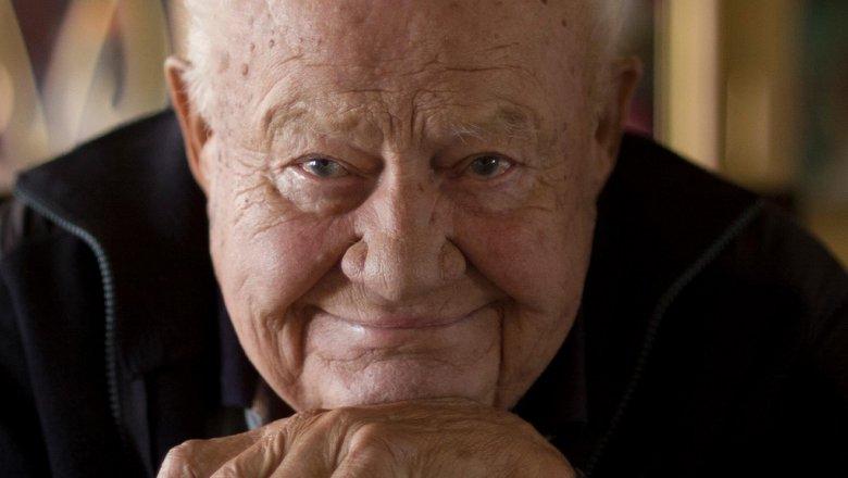 Скончался артист, сыгравший всерии фильмов оДжеймсе Бонде