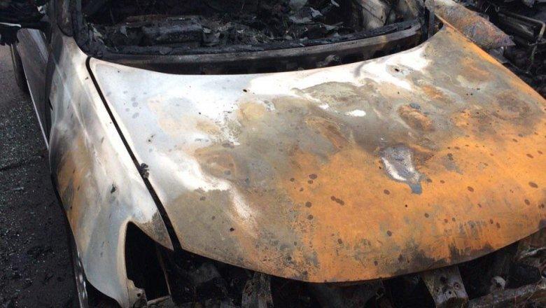 В Житомире неизвестные сожгли автомобили пограничников