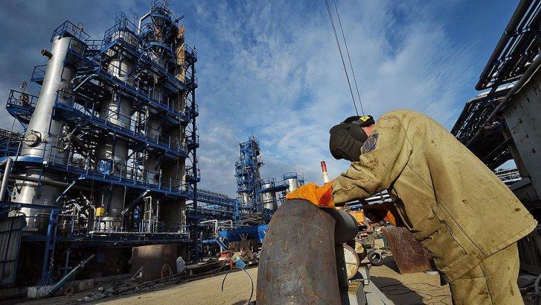 Русский топливный союз предупредил администрацию президента ориске скачка цен набензин