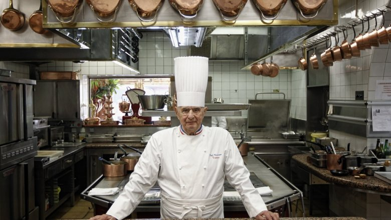 ВоФранции скончался один изосновоположников «новой французской кухни» Поль Бокюз