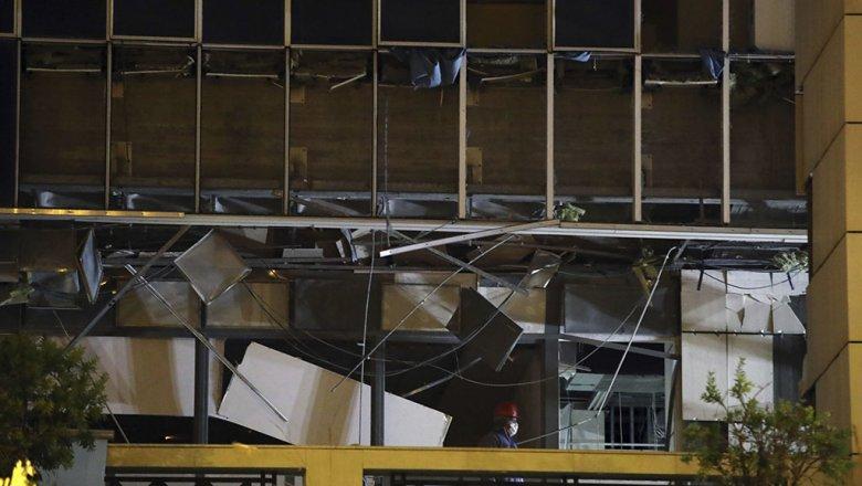 Около входа в сооружение апелляционного суда вАфинах взорвана бомба