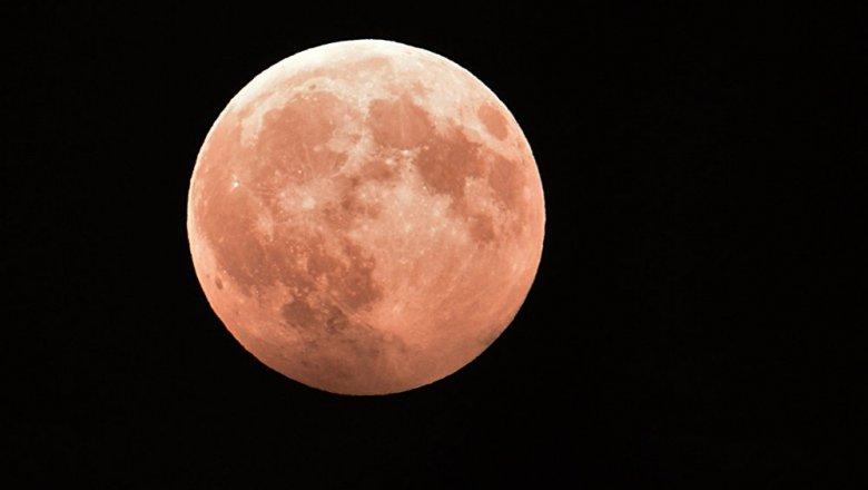 Внебе над разными уголками мира повисла Кровавая Луна ГАЛЕРЕЯ— очень интересные фото