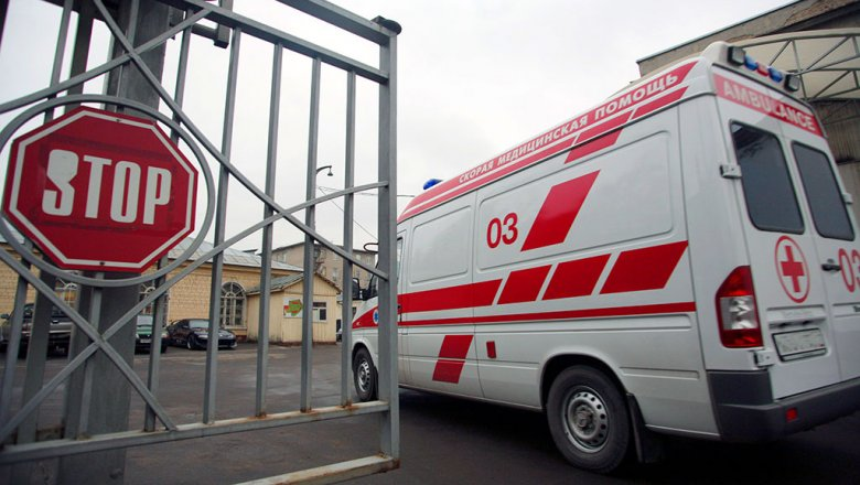 Натюменской трассе иностранная машина  влетела вавтобус свахтовиками