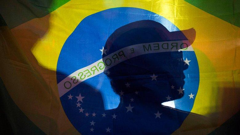 Бразилия перестала публиковать данные по общему числу случаев COVID-19