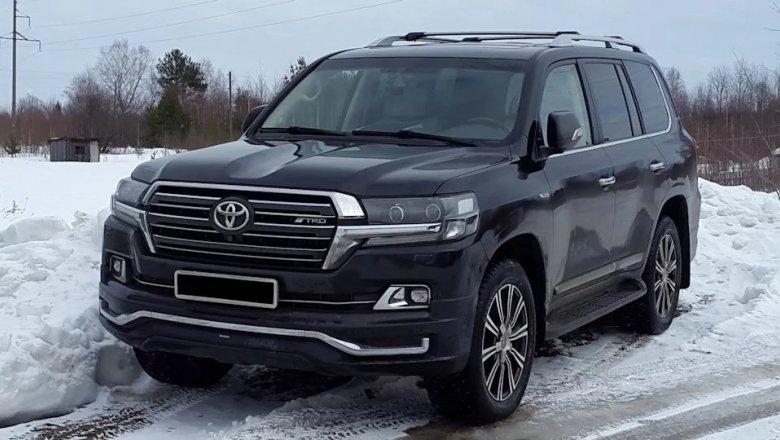 Тоёта выпустила новый Land Cruiser Prado вкузове фургона