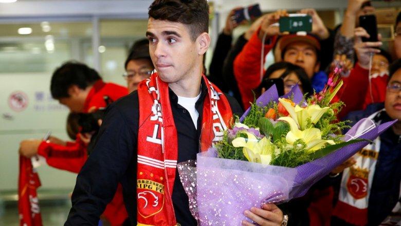 Звездный бразильский футболист спровоцировал массовую драку в КНР