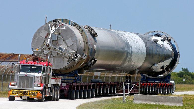 Ракета Falcon 9 взорвалась намысе Канаверал впроцессе заправки: видеоЧП