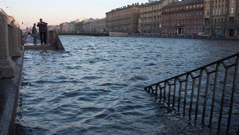 ВПетербурге могут закрыть дамбу из-за угрозы наводнения
