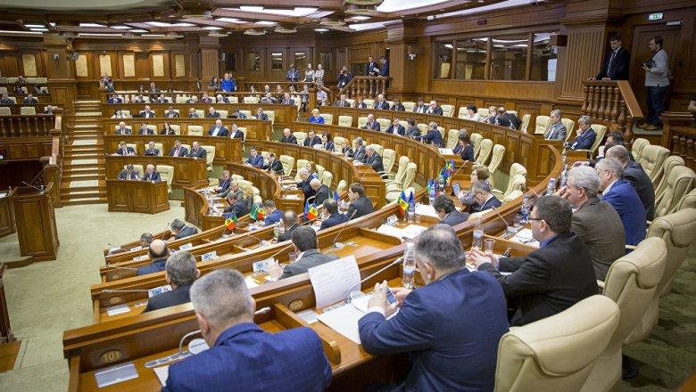 Президент Молдавии подписал закон осмешанной избирательной системе