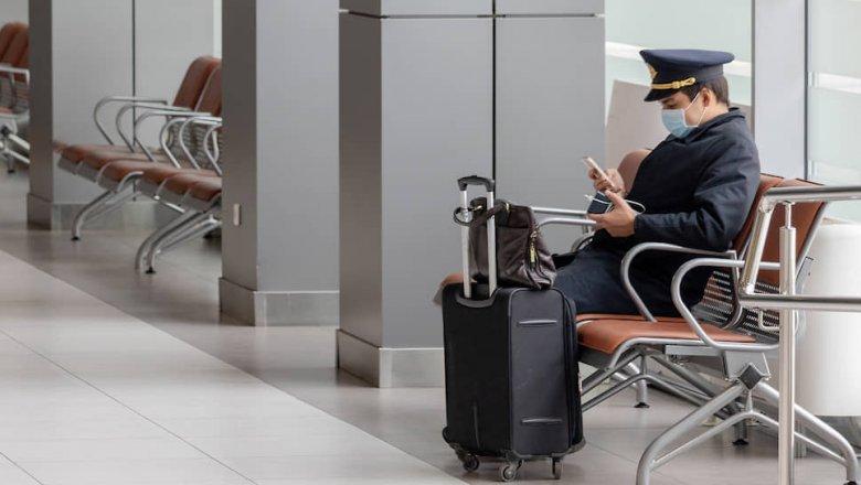 Кресла готовят к полету