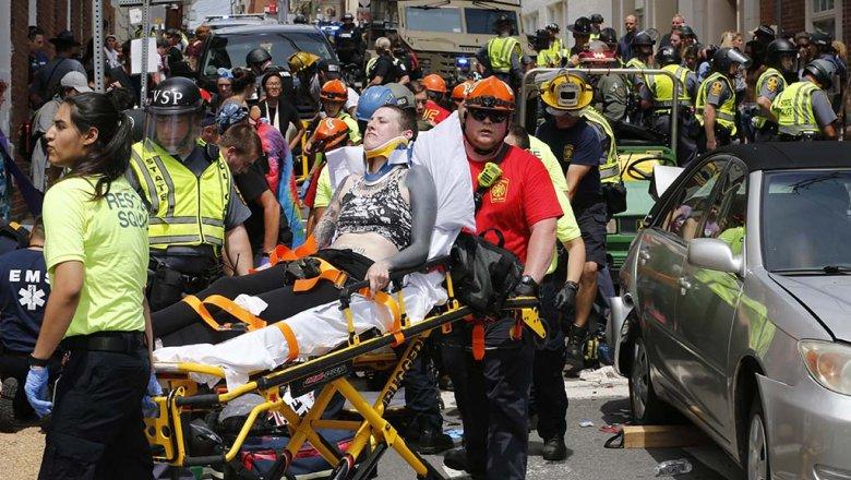 Меланья Трамп призвала протестующих вШарлотсвилле закончить насилие
