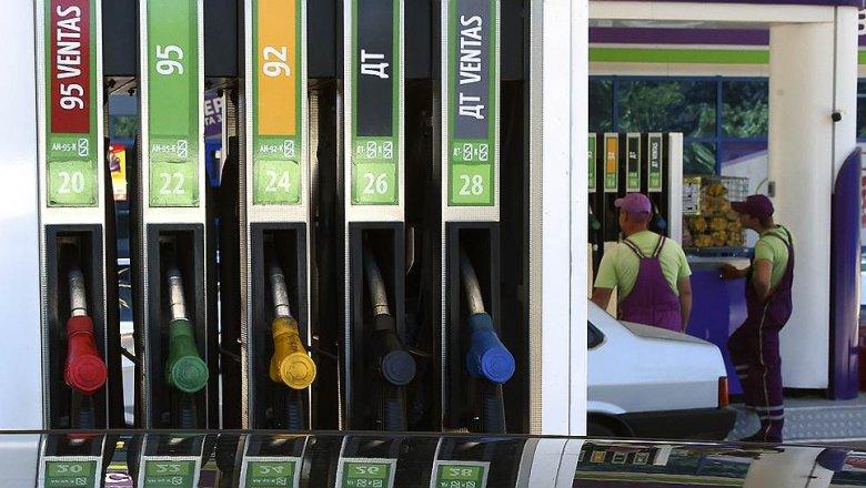 СМИ проинформировали о введенных нефтекомпаниями скрытых наценках набензин