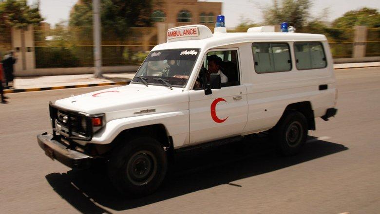 Заминированный автомобиль взорвался ваэропорту йеменского Адена