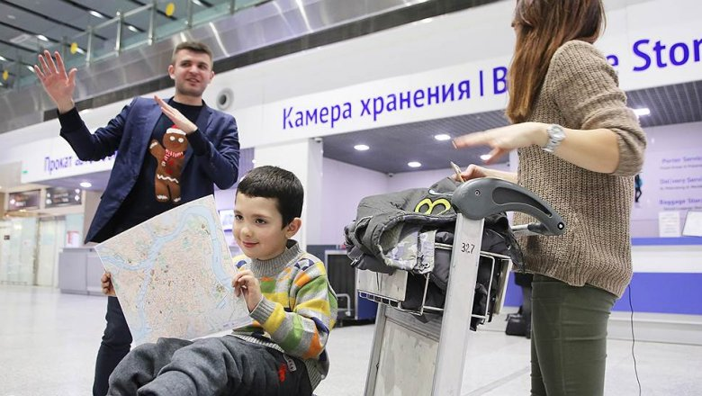Авиапассажиров высадят избагажных тележек // Шереметьево предложило правила поведения ваэропортах