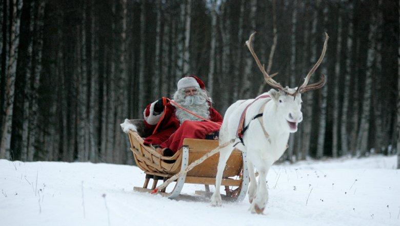 Главный дедушка Мороз страны привез подарки многодетной семье изОмска