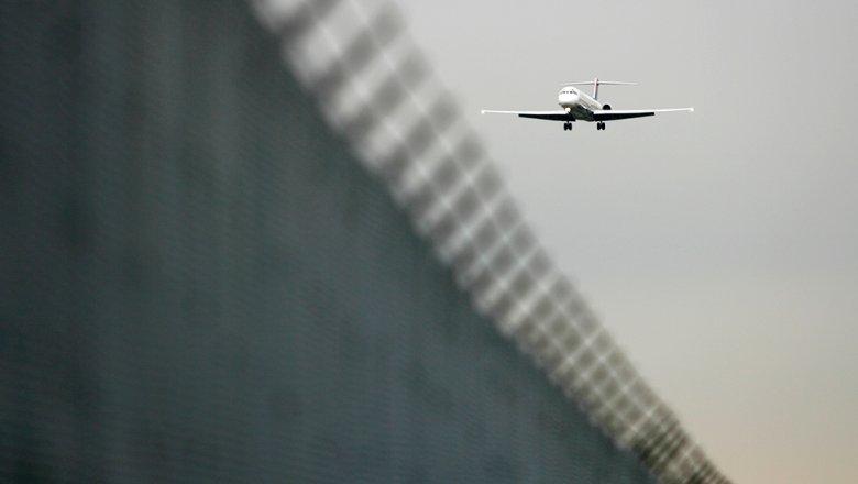 Самолет, следующий изПетербурга вЛарнаку экстренно приземлился вРостове-на-Дону
