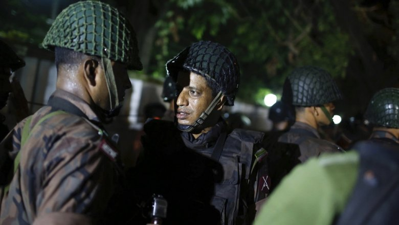 При нападении наресторан погибли 20 человек— уполномоченный армии Бангладеш