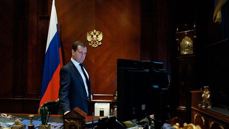 Спикер Государственной думы позитивно оценил работу Медведева напосту премьера