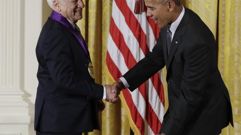 Известный комик Мэл Брукс подшутил над президентом США вБелом доме