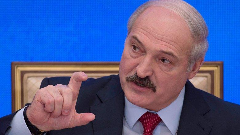 Лукашенко объявил, что может закрыть границу сРоссией