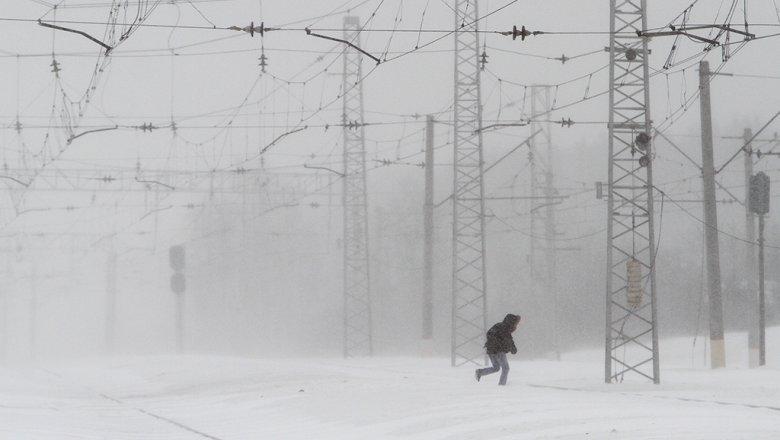 Ледяной дождь привел ксбоям вдвижении поездов МЖД
